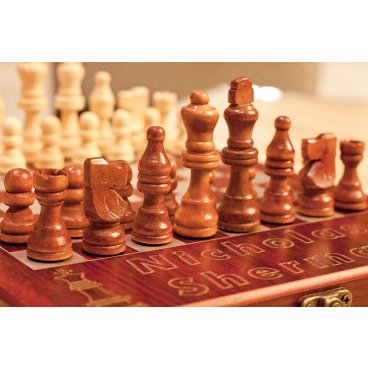 "Customized Rosewood Travel Chess Board ""King+Knight"""